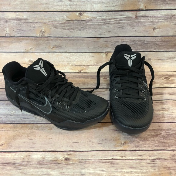 11a0d3def8fb Nike Kobe 11 XI Dark Knight Men s Size 8 Black